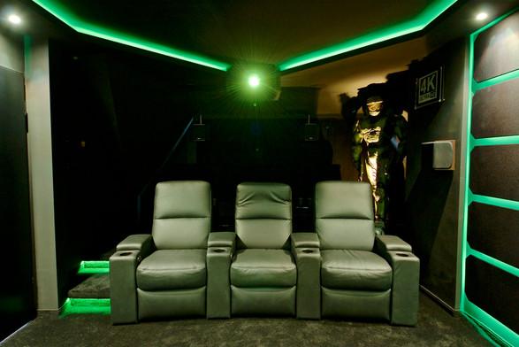 Kinosessel-Heimkino-Matrix-Kino-im-Wohnzimmer