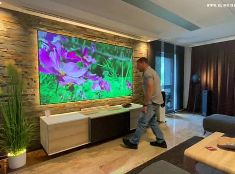 LaserTV Möbel im Einsatz