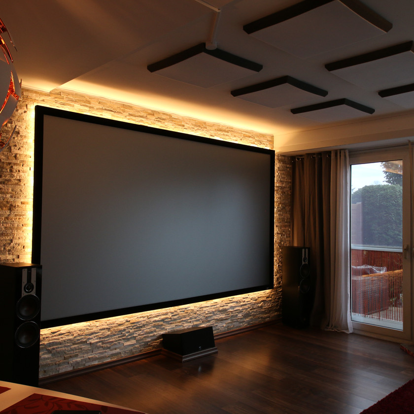 Rahmenleinwand im Wohnzimmer cool integrieren