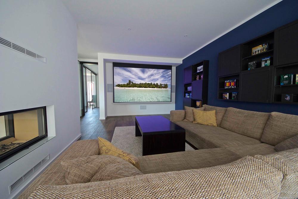 Kino in Wohnzimmer integriert
