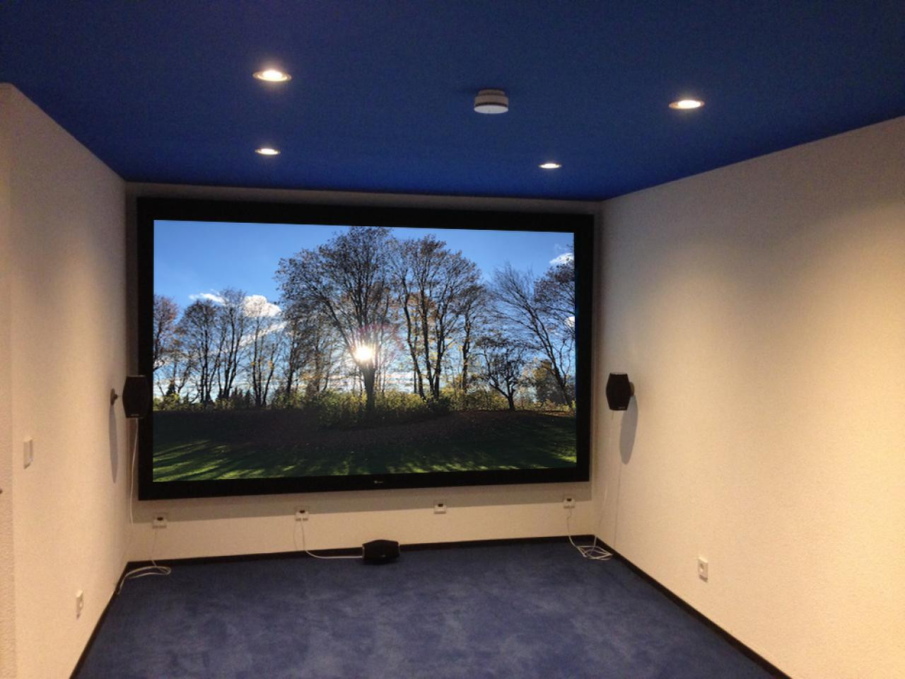 Heimkino_DeepBlue-Rahmenleinwand-Kino-im