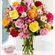 Rosas c/ Astromelias no vidro