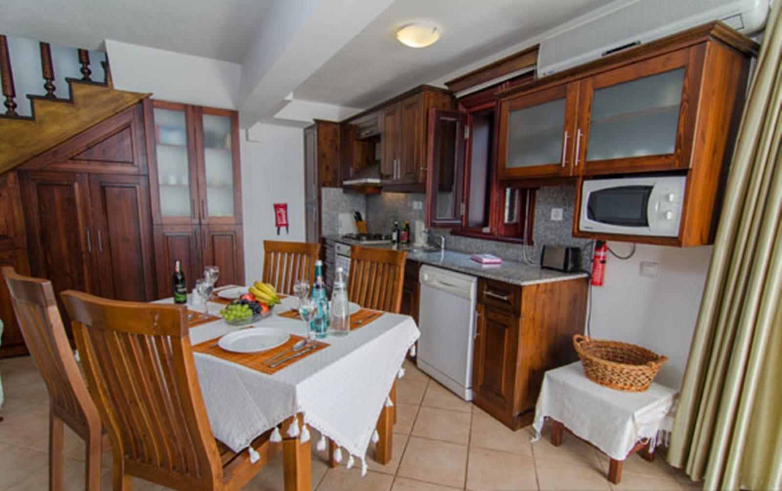 V837 kitchen