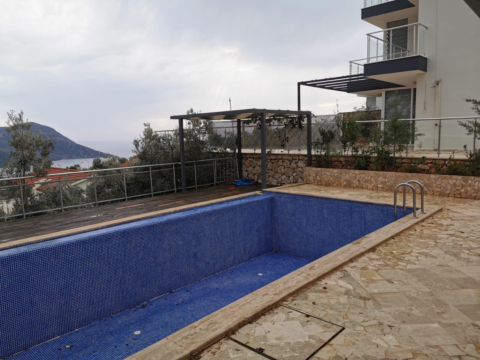 V841 terrace