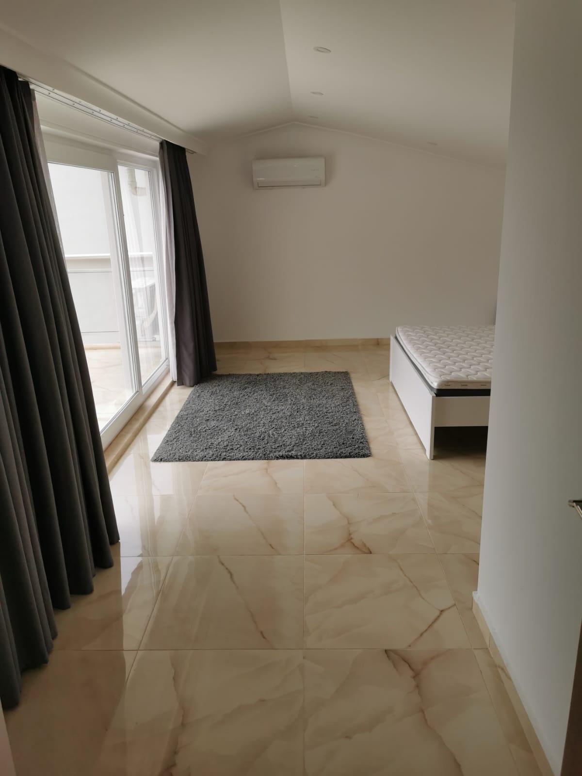 V841 bedroom layout