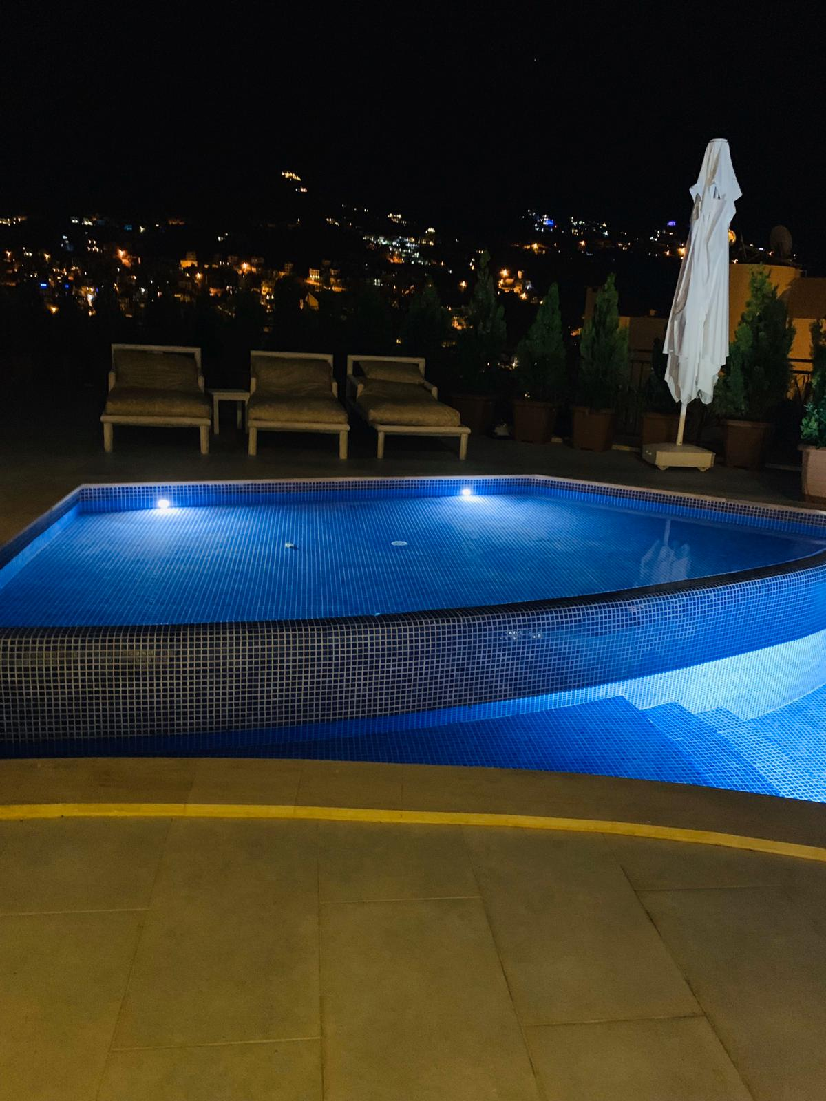 V840 pool lights
