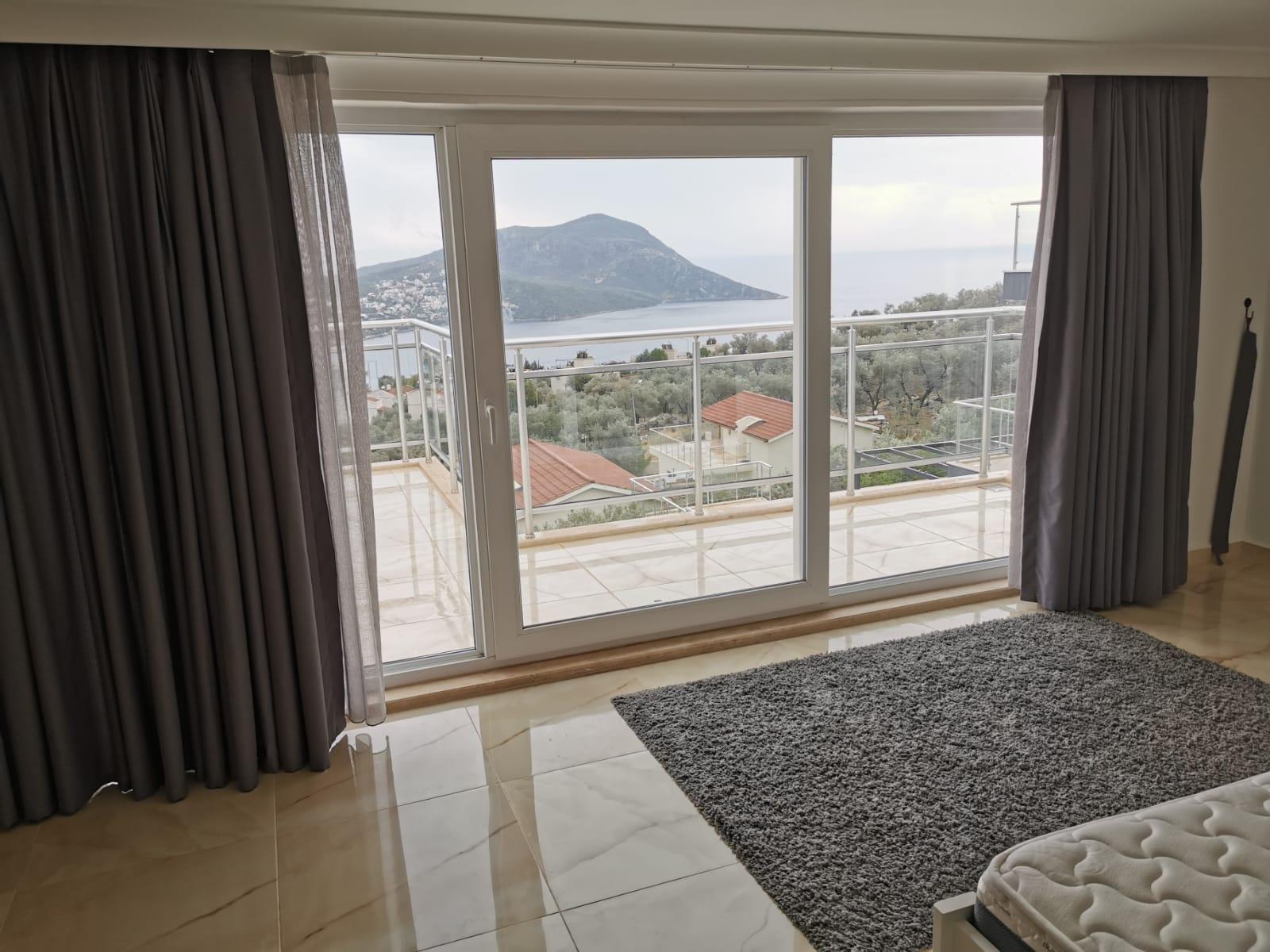V841 bedroom view