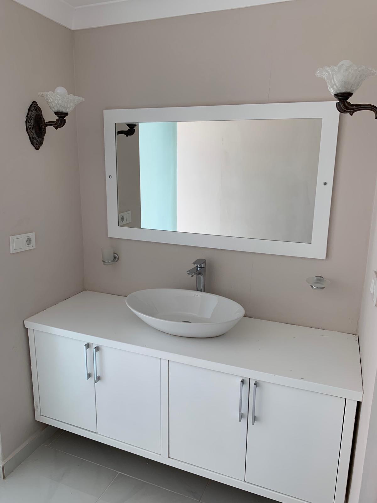 V840 bathroom 2