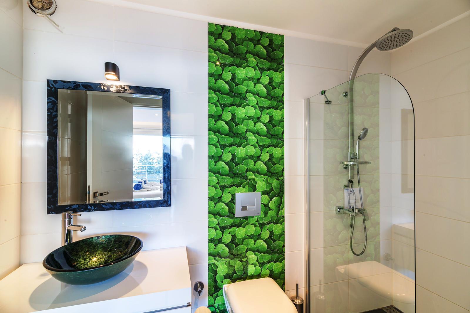 everest green bathroom