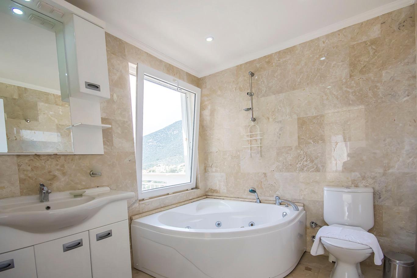 corner bath 2