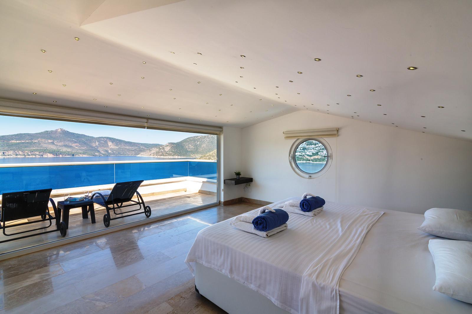 everest blue bedroom