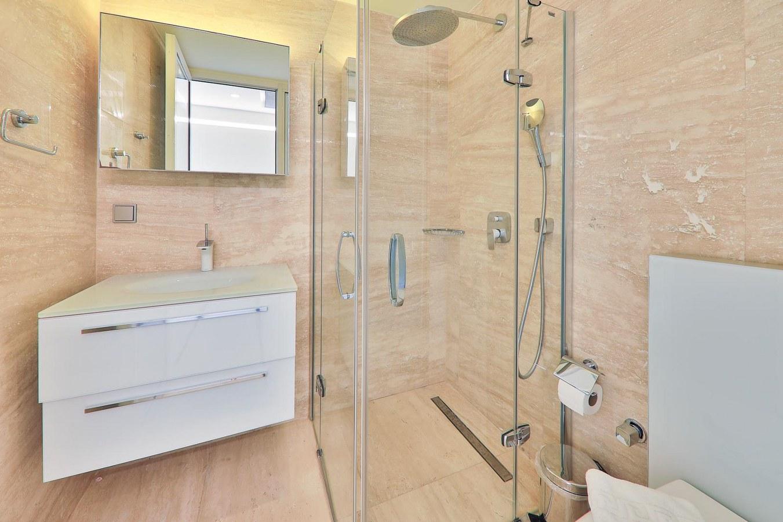 shower 2
