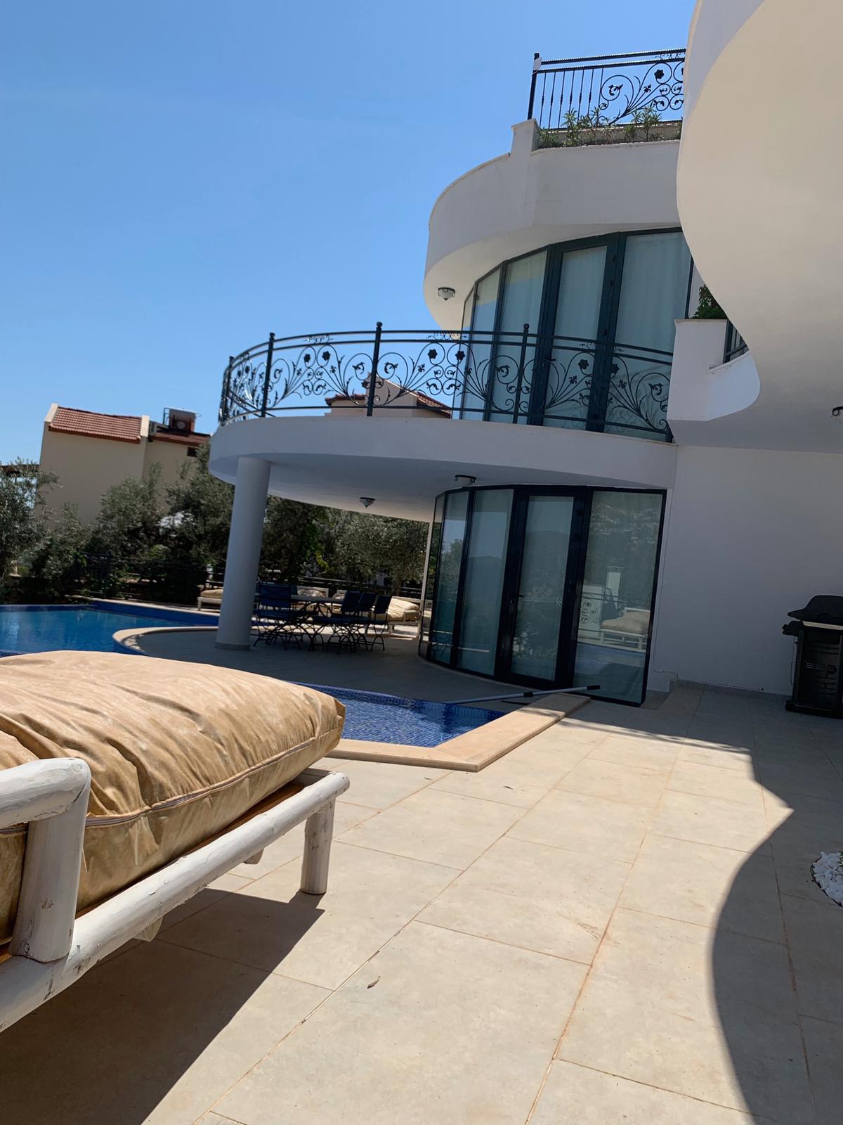 V840 terrace