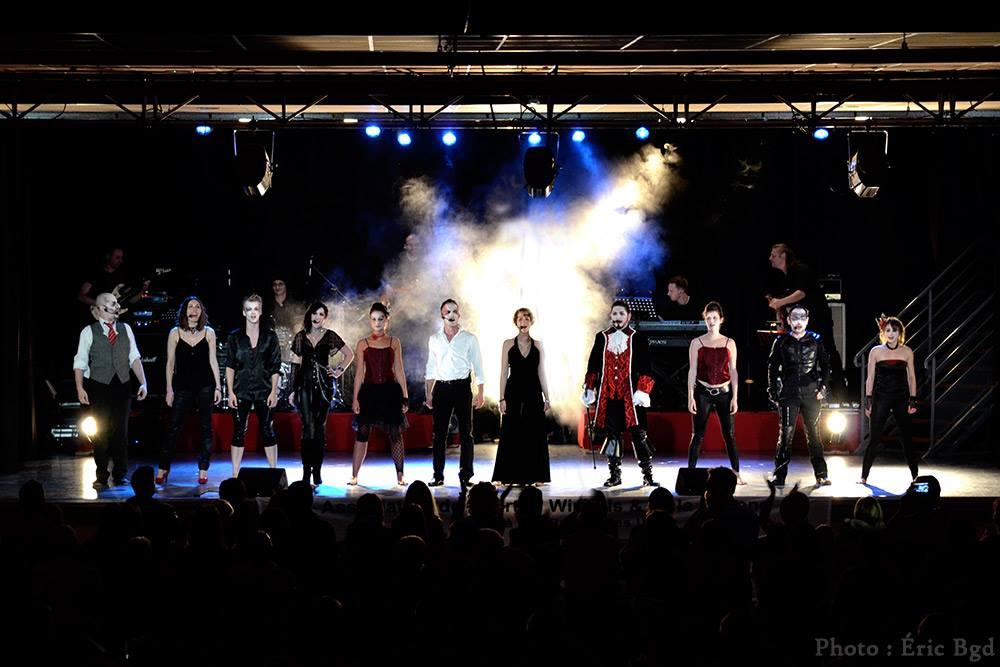 """Comédie Musicale, toute la troupe """"D'Ombres et de Sang"""""""