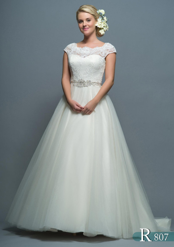 £1000 Bridal Gown Event June 7 - 9th