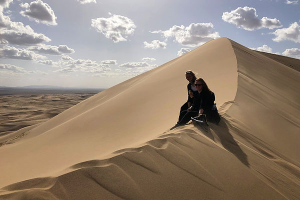 高さ50メートルを誇るホンゴル砂丘!
