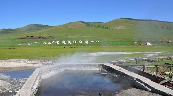 ツェンケル温泉