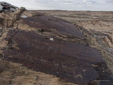 2000件の岩絵が描かれてあるデル・ウール