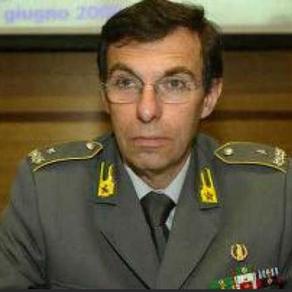 """Il generale Poletti: """"L'attuale comunicazione richiede capacità di senso critico sin dall'infanzia"""""""