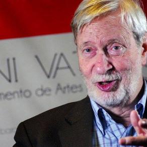 Vattimo: «Non sono no vax, ma non si può imporre una cura senza una legge»