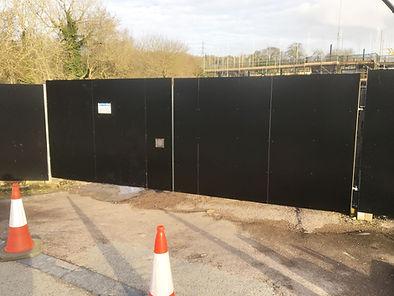 6_metre_site_gates.JPG