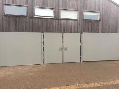 3_metre_site_gates.JPG