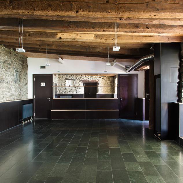 Salle intérieur du caveau des Langins