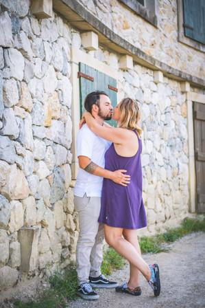 Couple - Kiss Pose