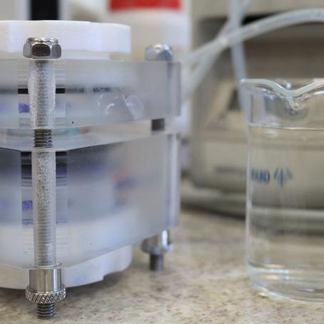 USP e Unesp produzem tecnologia que elimina corante e metal cancerígeno da água