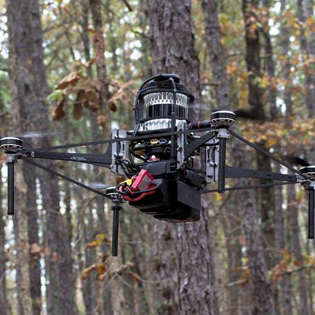 Drone que voa sozinho em florestas pode ser aliado contra o desmatamento