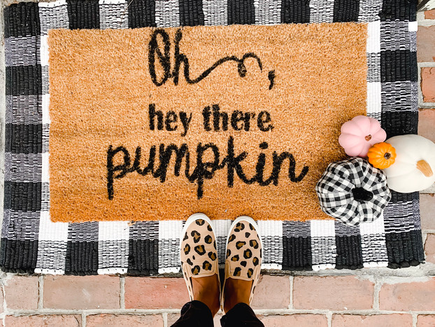 Oh, hey there pumpkin! DIY Fall outdoor mat tutorial
