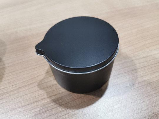 6 oz black matte tin with spout