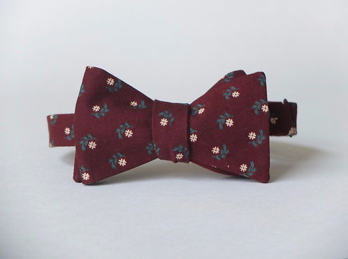 Dasies on Burgundy Bow Tie || 100% Vintage Cotton