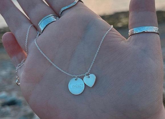 Cymraes gold necklace