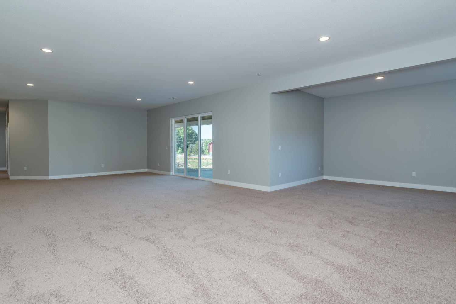 Large Basement with Optional Walkout