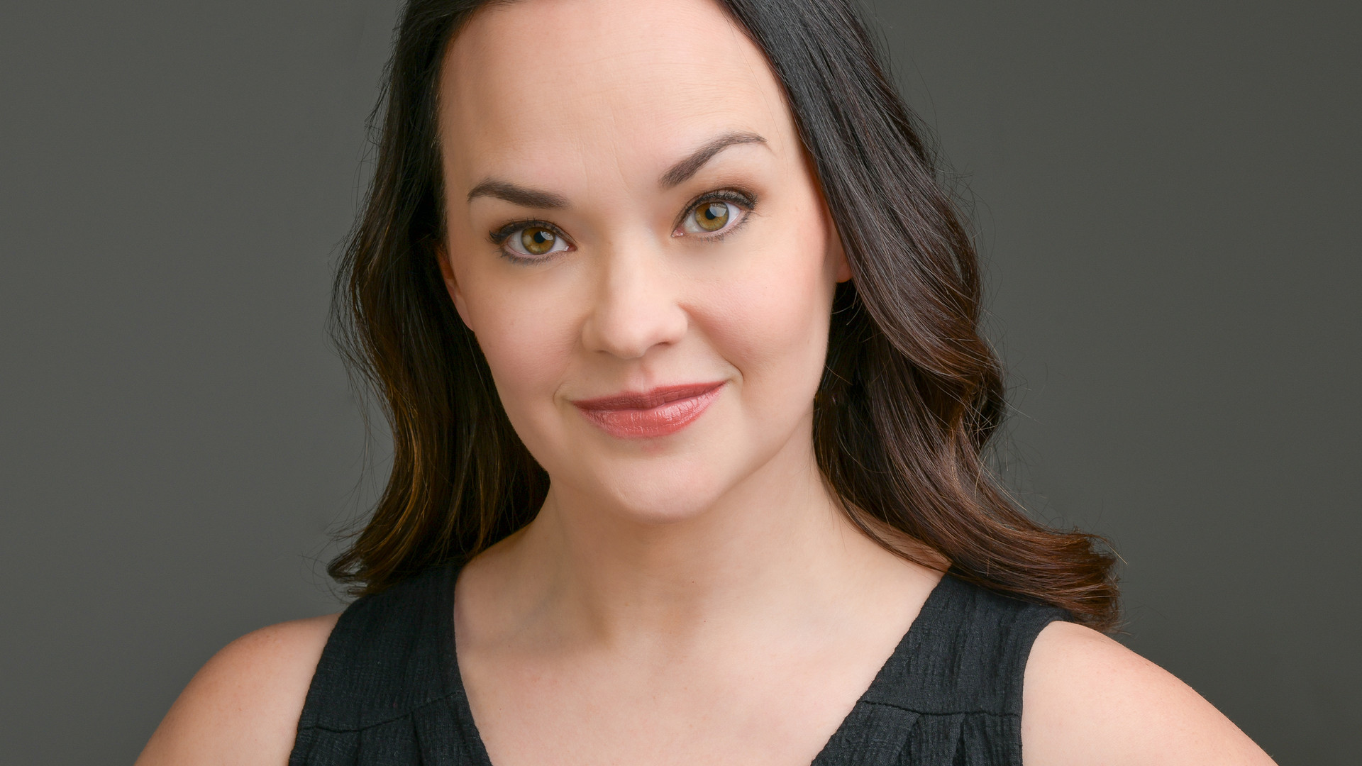 Julie Hanson headshot