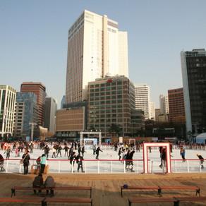 [Korea] ร้อนขึ้นขณะที่คุณเล่นสเก็ตรอบลานสเก็ตน้ำแข็งในโซลพลาซ่า!