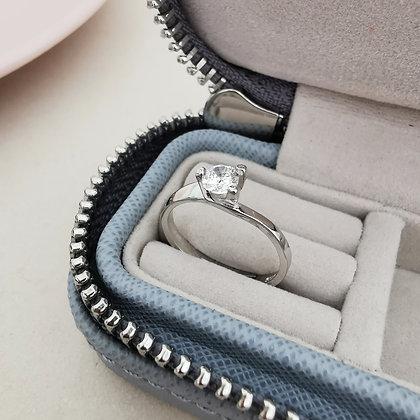 Anello Solitario con zircone bianco 4 mm