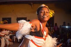 ギニア国立舞踊団バレエナショナルジョリバ イヌワリアフリカ ギニアツアー