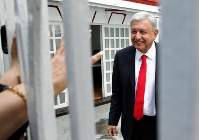Se reúne López Obrador con integrantes del próximo gobierno federal