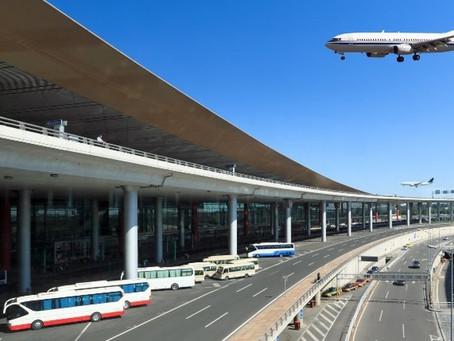 Llegada de turistas por avión crece 2.4%