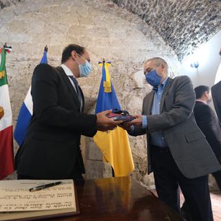 Jalisco y El Salvador formalizan acuerdo para manejo de residuos