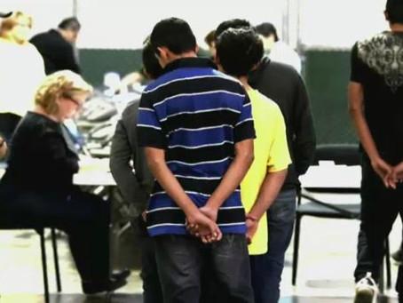 Niños inmigrantes denuncian golpes y abusos en EE.UU.