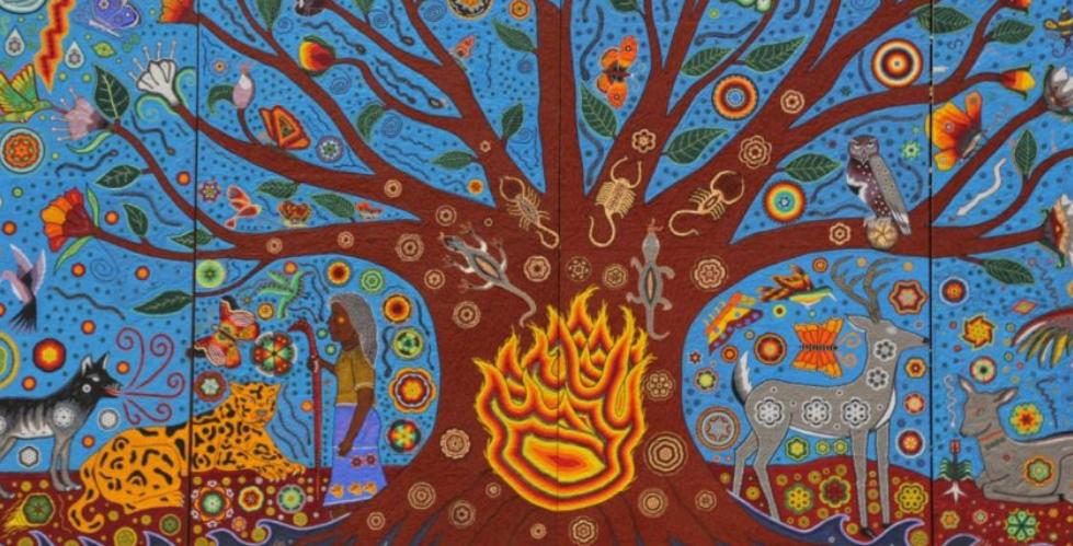 """Macro mural """"Ta Kutsi Nakawe- Kiekari Muyu Kama"""" o """"La creación del Universo"""", realizado por la artista mexicana Marianela Fuentes bajo el auspicio de Gustavo Cárdenas Moreno."""