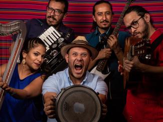 Eblin Ruan y Los de Cajón llegan al Palacio de Cultura en Tlaxcala con una música fusión
