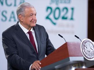 Vacunas aplicadas en México tienen seguridad y eficacia comprobada: AMLO