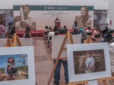Reconocen contribución de las mujeres al desarrollo del campo mexicano con exposición fotográfica