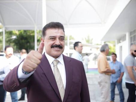 Carlos Lomelí 'mete' acelerador en encuestas de Morena para Guadalajara
