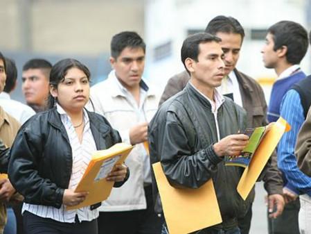 Alcanza el desempleo el nivel más bajo en años