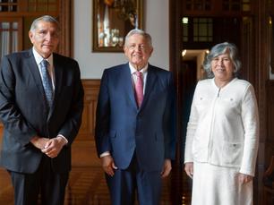 AMLO da la bienvenida a la nueva consejera jurídica del Ejecutivo Federal, María Estela Ríos